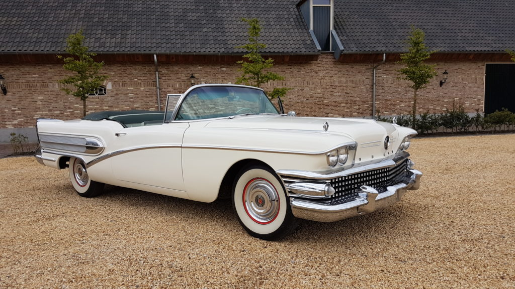 Buick     SOLD     series 40 Special convertible 1958, automatic