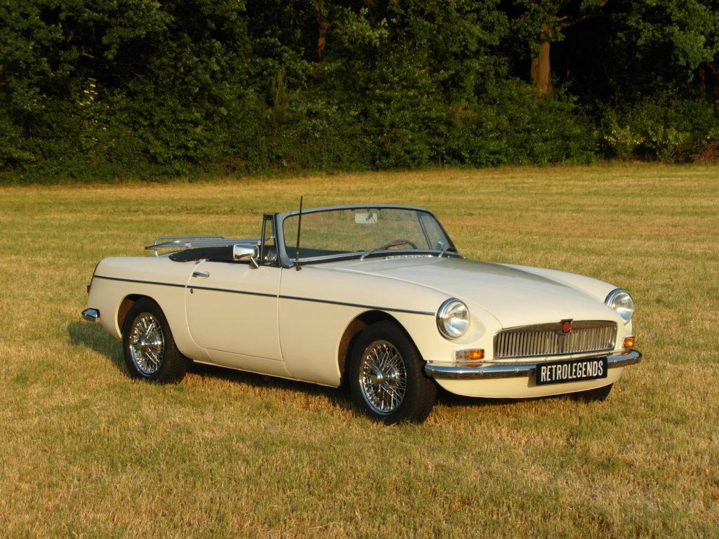 """MG B roadster """"lepeldeurtje"""" 1964, lhd    €  24.900,-"""