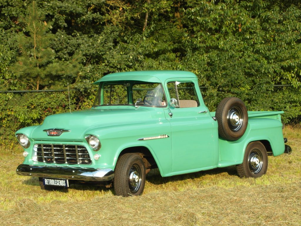 Chevrolet 3100     SOLD     Step-side pick-up 1955