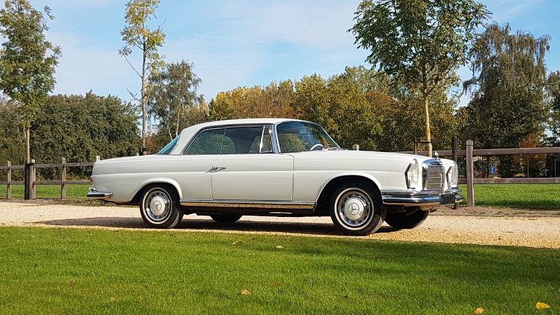 "Mercedes-Benz 280SE ""Flachkuhler"" coupé manual 1973,    € 88.000,-"