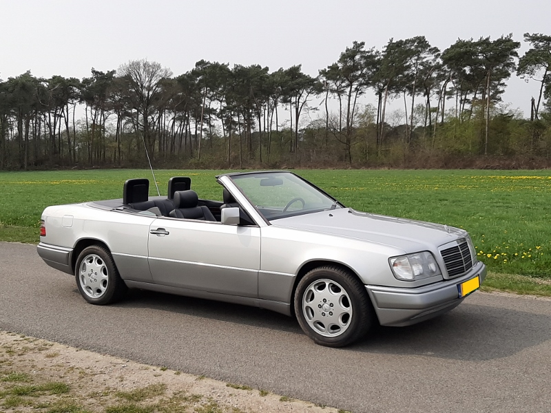 Mercedes-Benz E320 convertible 1993, incl HTP € 19.950,-