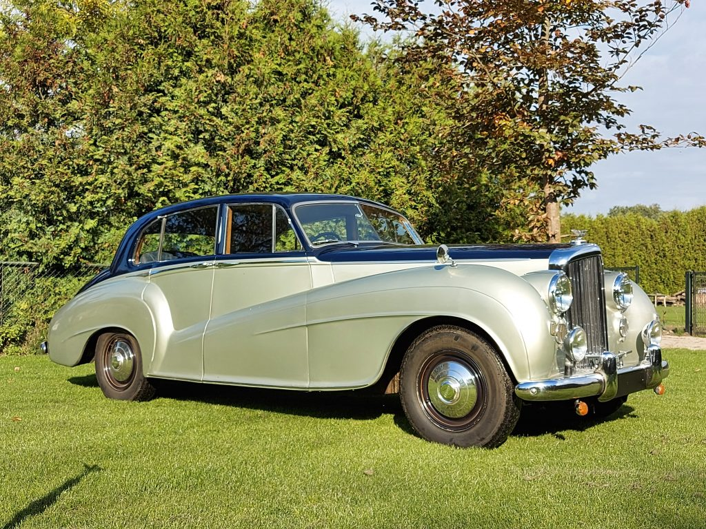 Bentley MK VI Special Light Weight Saloon 1950,  € 39.900,-